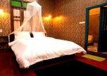 Pesan Kamar Standard Theme Room di Tamajun Hotel