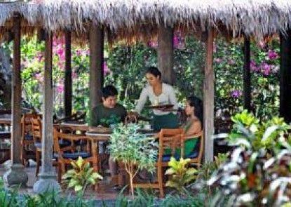 Taman Selini Wahana Beach Resort Rumah Makan