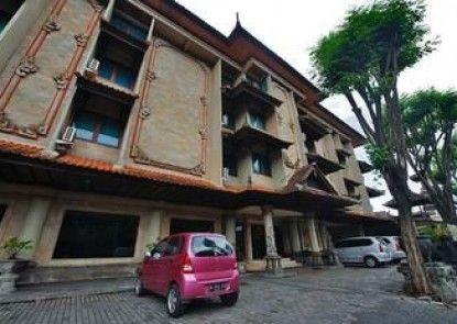 Taman Suci Hotel Eksterior