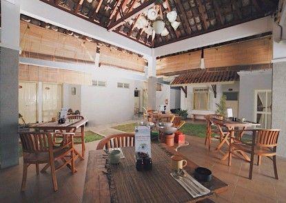 Taman Yuwono Heritage Malioboro Rumah Makan