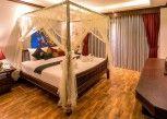 Pesan Kamar Deluxe Bathtub Room di Tanawan Phuket Hotel