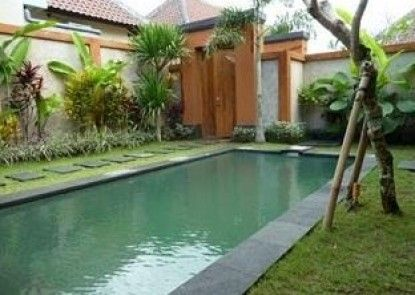 Tanjung Lima Villas Kolam Renang Pribadi