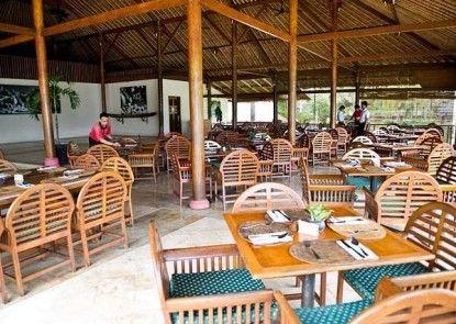 Tanjung Lesung Beach Hotel & Villa Rumah Makan