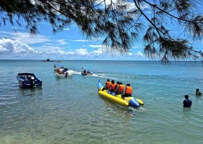 Tanjung Lesung Beach Hotel & Villa Olahraga Air