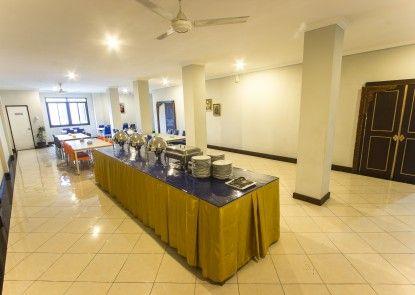 Tasik Jogja Hotel Makan Prasmanan