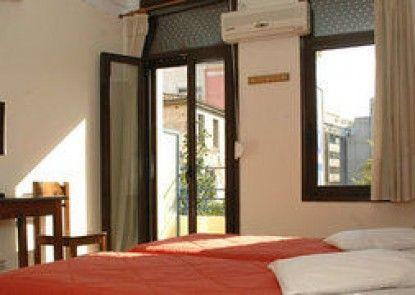 Tempi Hotel