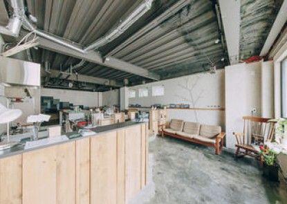 Ten to Ten HOKKAIDO Hostel & Kitchen