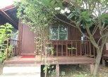 Pesan Kamar Bungalow (air Conditioning Bungalow) di Thai Garden Inn Kanchanaburi