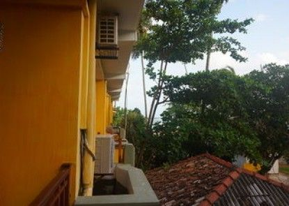 Thaproban Beach House