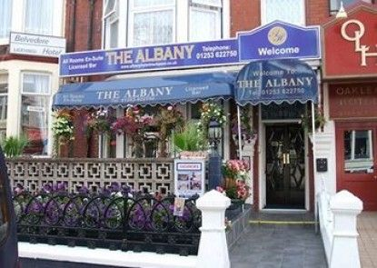 The Albany Hotel Teras