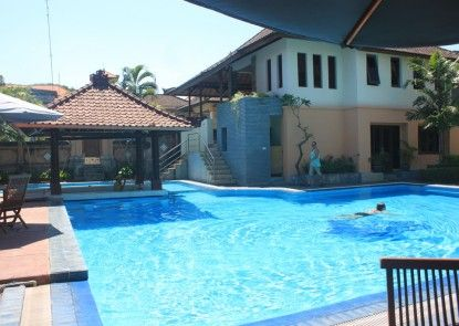 The Bakung Beach Resort Kolam Renang