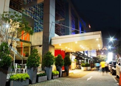 The BnB Jakarta Kelapa Gading Teras