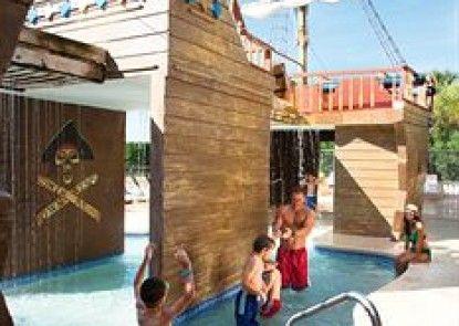 The Breakers Resort Teras