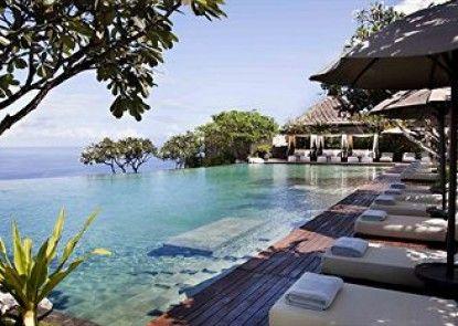 The Bulgari Resort Kolam Renang