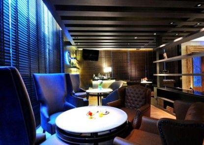 The Continent Bangkok Lounge