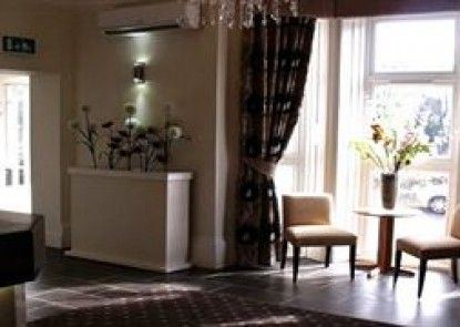 The Croham Hotel Teras