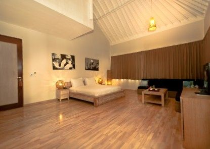 The Dipan Resort Petitenget Kamar Tamu