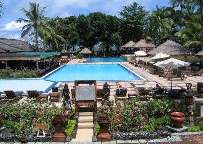 The Jayakarta Bali Beach Resort & Spa Kolam Renang