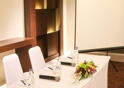 The Kana Kuta Hotel Ruangan Meeting