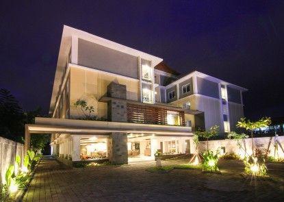 The Kana Kuta Hotel Eksterior