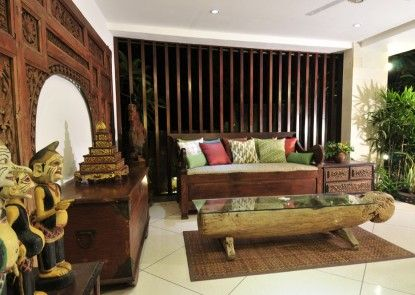 The Luku Boutique Villa and Gallery Lobby