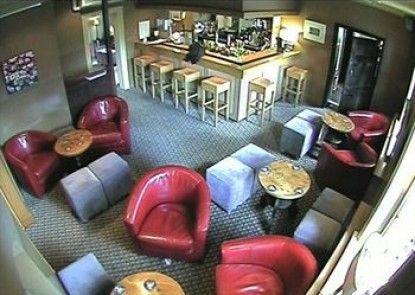 The Old Orleton Inn Teras