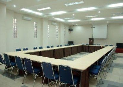 The Palace Inn Ruangan Meeting