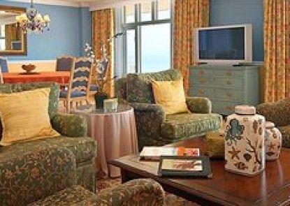 The Shores Resort & Spa Teras