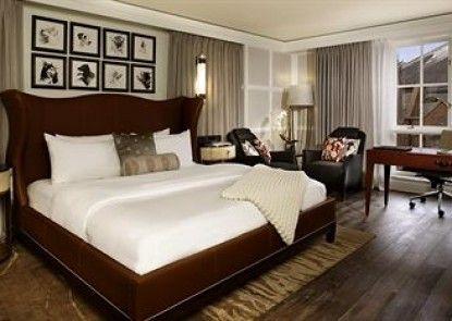 The St. Regis Aspen Resort Teras