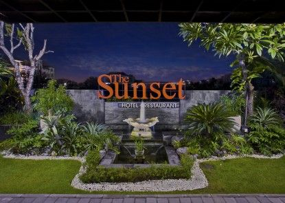 The Sunset Hotel and Restaurant Lobby