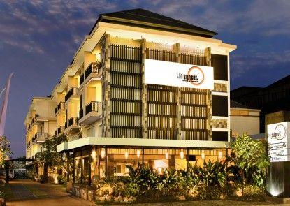 The Sunset Hotel and Restaurant Eksterior