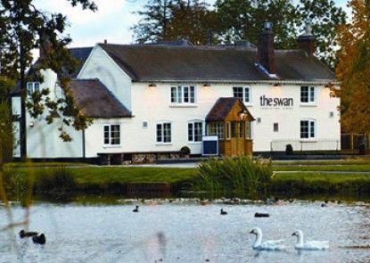 The Swan Inn Teras