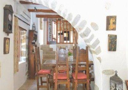 The Traditional Villas of Crete