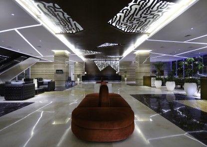 The Alana Hotel & Convention Center - Solo Lobby