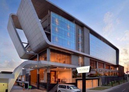 The Atrium Hotel and Resort Yogyakarta Eksterior