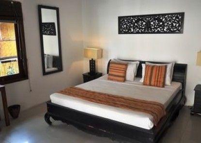 The Beach House Resort Teras