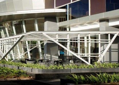 The Bellevue Suites Eksterior