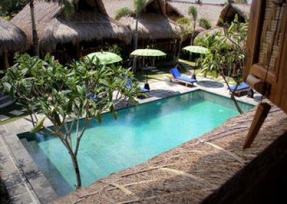 The Calmtree Bungalows Teras