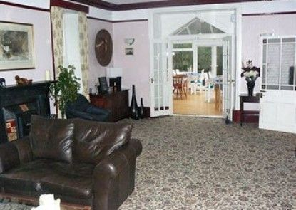 The Cammarch Hotel - Guest house