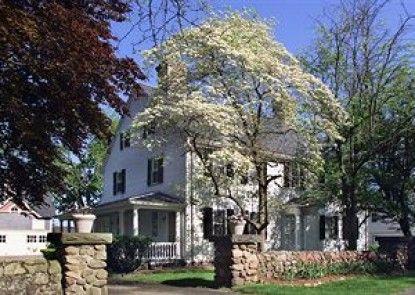 The Farmington Inn & Suites