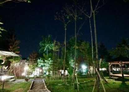 The Forest @Cisarua Eksterior