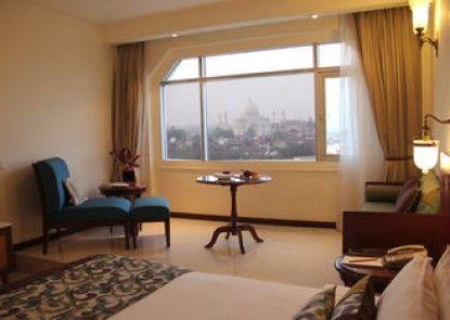 The Gateway Hotel Fatehabad Road