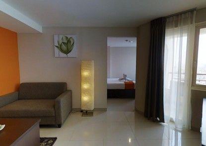 The Gloria Suites Jakarta - Serviced Apartment Grogol Ruang Tamu