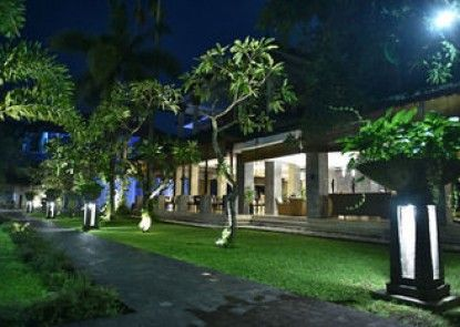 The Cakra Hotel Taman