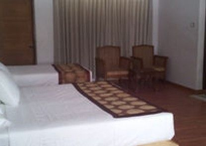 The Grand Nyaung Shwe Hotel