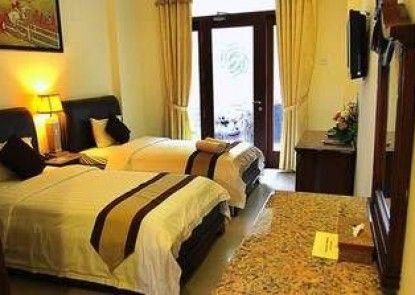 The Grand Palace Hotel Malang Teras