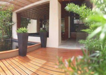The Green Golf Residence Condominium