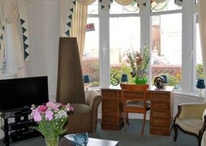 The Grosvenor View - Guest house