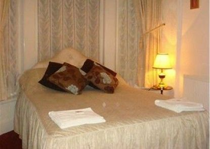 The Holmeleigh Hotel - Guest house