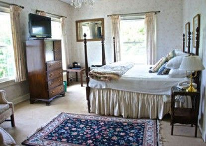 The Inn at Mystic